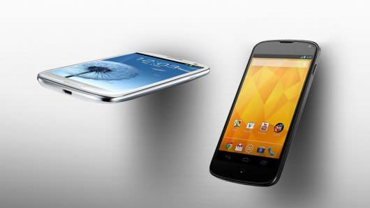 LG Nexus 4 vs Samsung Galaxy S3: будущее за LG?
