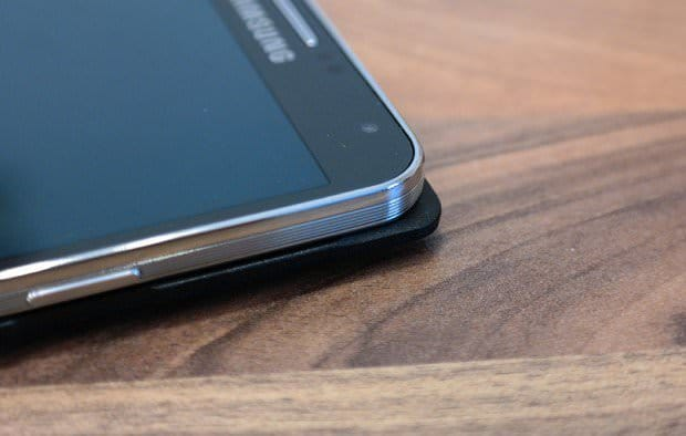 Samsung Galaxy Note 3: S View Cover в деталях