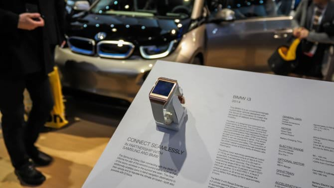 Samsung Galaxy Gear и BMW i3: пульт дистанционного управления для автомобиля [Видео]